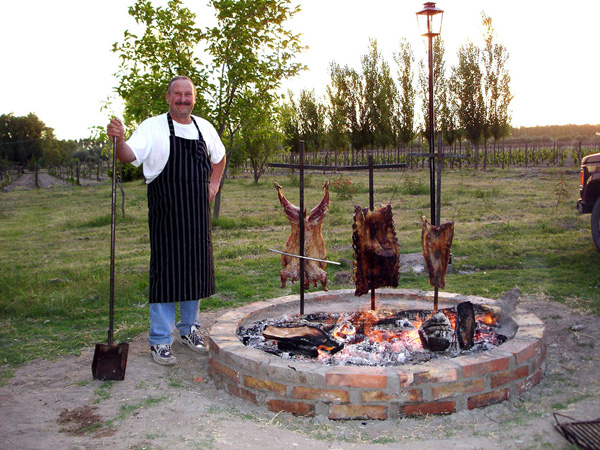 Asado further 495888608945036882 moreover Rotisserie Towable Charcoal Weekend Rate moreover Watch moreover Jia Binhui Roast Himself To Fight Blood Cancer. on pig rotisserie plans